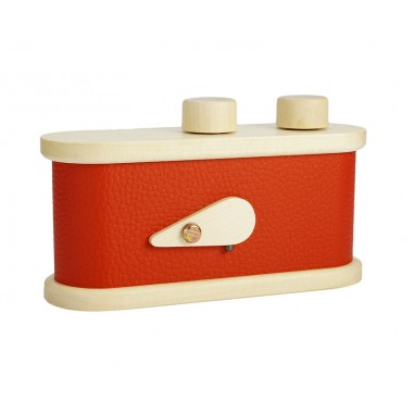 LEROUGE 135 L Pinhole Camera Red